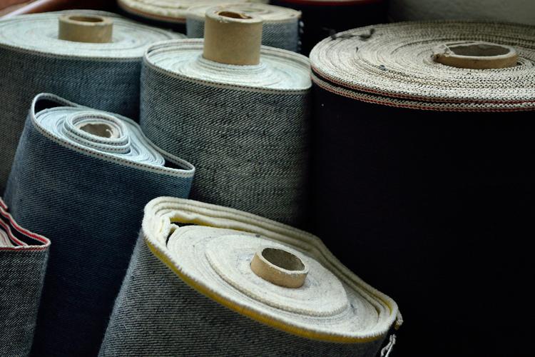 Textile Flächen Web- und Maschenwaren